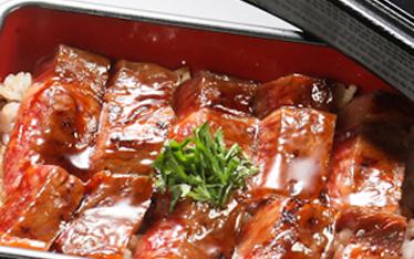 写真:炭焼と豆腐料理炭熊