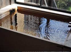 写真:【全室】檜の内風呂