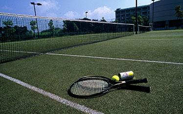 写真: テニスコート