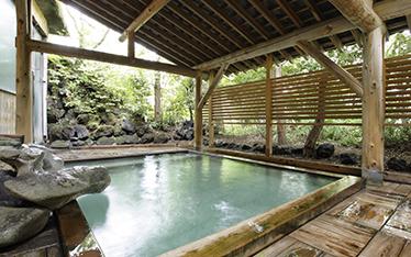 写真:琥珀の湯露天風呂