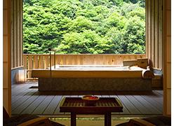 写真:『丸太風呂』