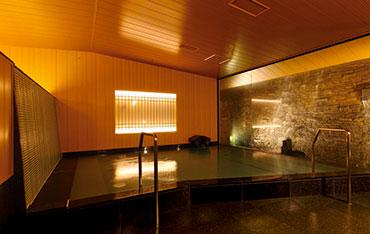 写真:大浴場滝の湯