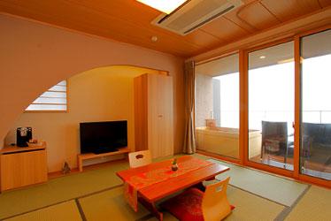 写真:【8畳+寝室】温泉露天風呂付スイート 牽牛・七夜