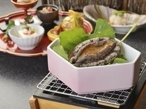 銀の海で楽しむ「伊豆の彩」コース  磯風味満点の鮑おどり蒸し◇夕朝食:ダイニング