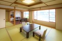 【ロイヤルフロアー・和室】水平線を望む!最上階で伊勢海老のお部屋食/しらら優雅会席