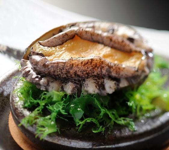 【ダブルのメイン】海鮮!鮑の踊焼き&タラバ蟹バター焼き和食会席プラン