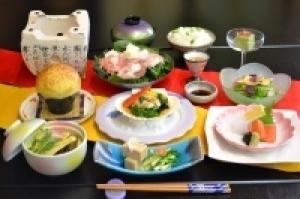 【季の里バリュープライスプラン】平日限定プラン9800円から「三元豚高原鍋と帆立磯焼き」