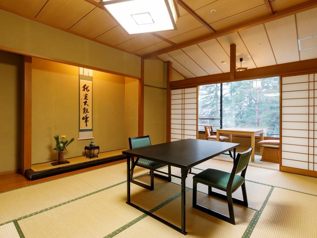 【庭園に面した眺望が人気】瑞雲標準客室/本館(禁煙)