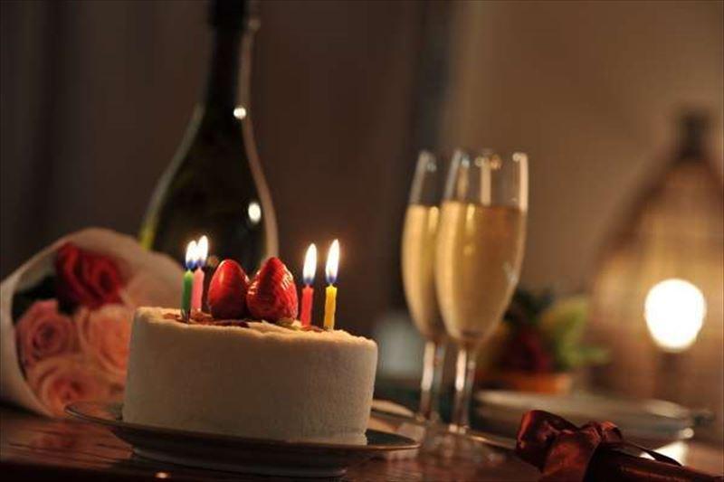 ◆+。記念日プラン。+◆各客室専用の会席コース 夕食部屋食&ケーキと花束≪貸切風呂1回無料≫