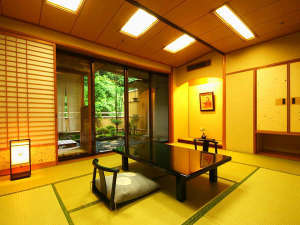 露天風呂付和室【鹿観の棟 山側/バス・トイレ付】
