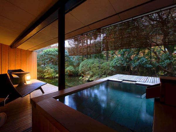 和洋室温泉露天風呂付70平 DXスイート12畳+ベッドルーム