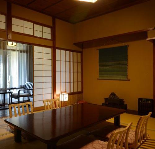■昔ながらの懐かしい和室です。【レトロな天然温泉付】