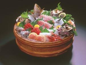 地魚尽くし【地魚お造り桶盛り&伊勢海老鬼殻焼き】プラン