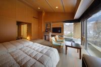 *客室専用露天風呂付「和洋室」8畳+ツイン(バス・トイレ付)