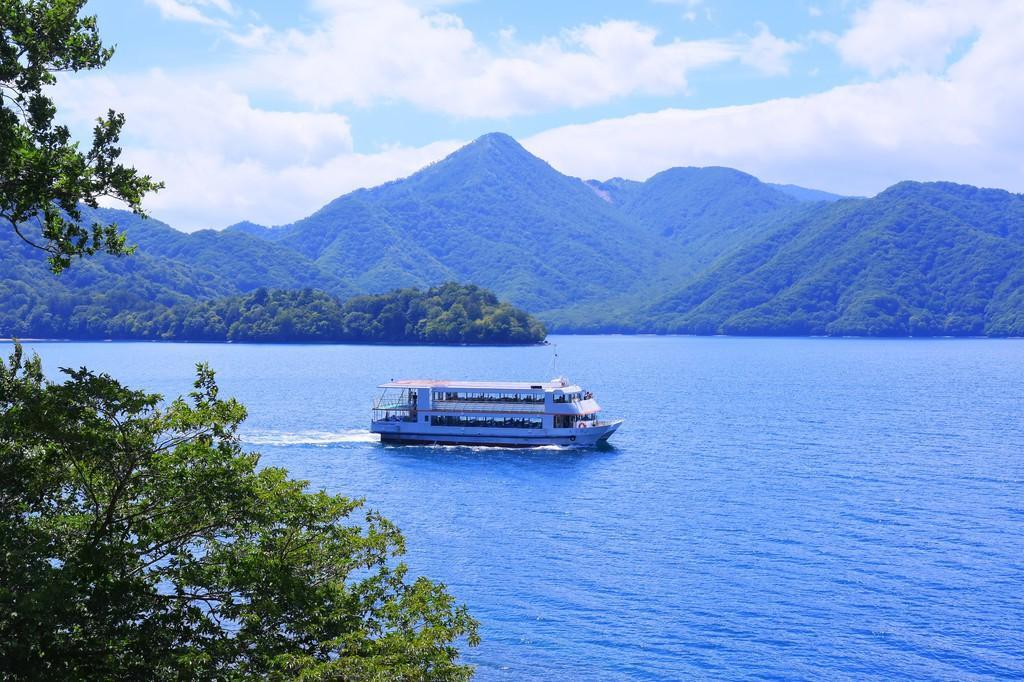 中禅寺湖一周クルーズ乗船チケット特典付プラン♪船からもお部屋からも中禅寺湖を一望♪