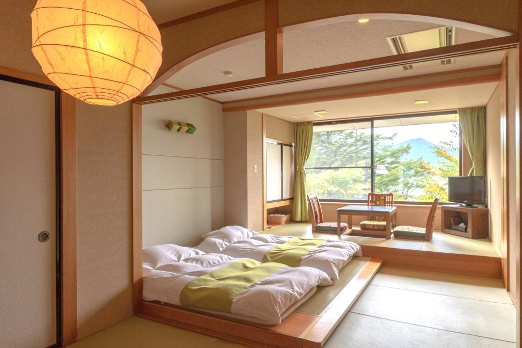 掘りごたつ付 琉球畳の和モダンルーム【禁煙】