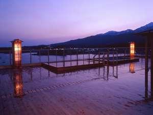 湖畔の宿 吉田家