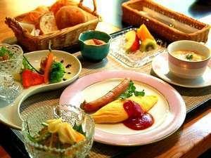 【1泊朝食】【朝食自慢の宿】遅い到着でも安心!お一人様ずつ選べる≪和食≫または≪洋食≫~
