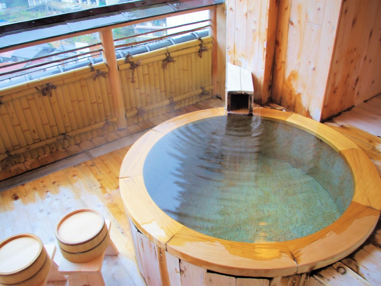 温泉露天風呂付客室『瑠璃』