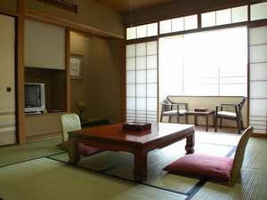 【飛騨川沿いの陶川閣】 和室8~10畳