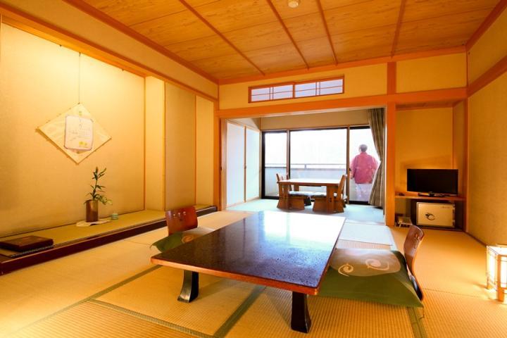 3F【萌黄】 和室10畳広縁付