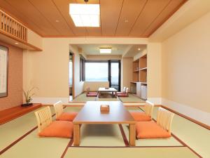 星のしずく(4階・檜露天風呂付和室)
