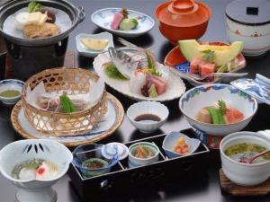 【部屋食】☆お刺身盛り&鮑と金目鯛の人気料理~熱川館基本宿泊プラン