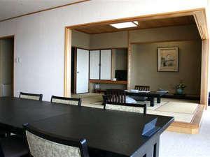 最上階半露天風呂付和洋室/ツインベット+和室10畳+リビング
