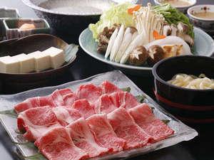 """◆新""""肉食""""メニュー【第1弾】〈メインはしゃぶしゃぶorすき焼き〉兵庫県産黒毛和牛(1人前150g) ◆"""