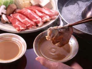 【岡山和牛のしゃぶしゃぶ鍋】仲間が集ったら鍋を囲もう!一緒がお得♪4名一室で8800円~