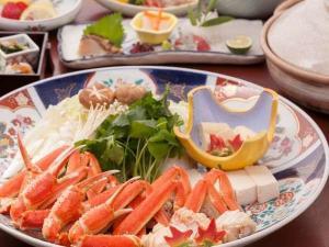 《ズワイ蟹のかにスキ鍋コース》カニを堪能したい時はこれ!最後は雑炊で温まろう♪