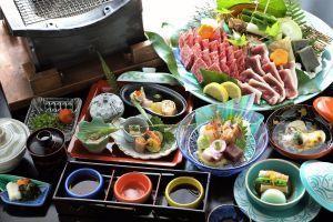 【島根県産ブランド牛】極上「松永牛」厳選3種を旨み溢れる「炭火焼」で味わい尽くす贅沢食べ比べ
