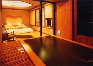 千遊館露天風呂付和洋室10畳+ツイン