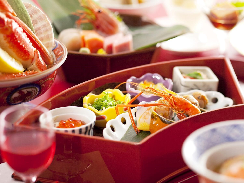【美味旬旅◆特別会席 雅~みやび】牛とずわい蟹で和を彩る 料理長お薦め会席 [夕食:レストラン]
