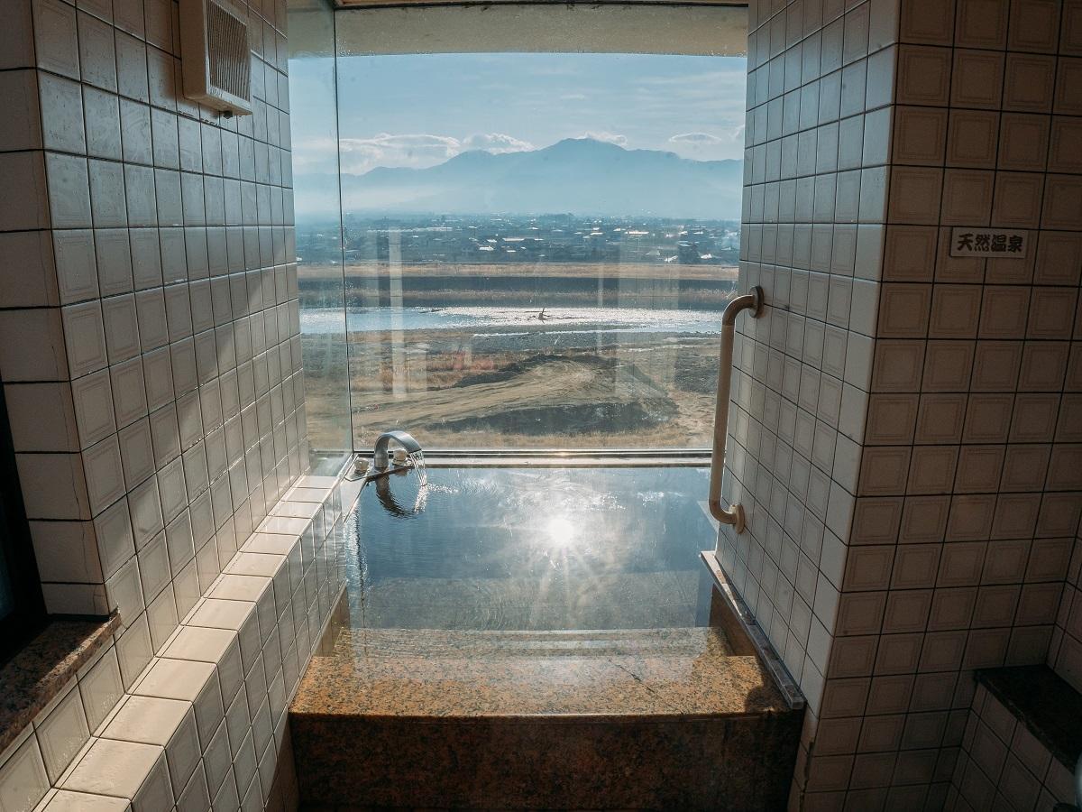 【展望風呂付】笛吹川を一望!天然温泉を堪能するワンランク上のやまなし旅/食事処