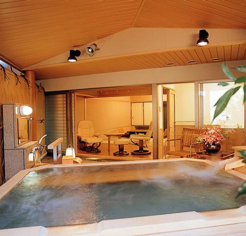 ■禁煙■【白雲南館】庭園温泉露天風呂付客室(和室8畳)