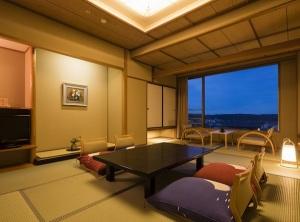 【白雲南館】標準客室(和室10畳+畳広縁2畳) 7月より禁煙