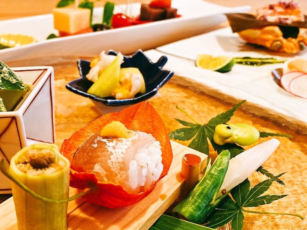 源泉露天風呂付特別室でのひと時 四季折々の美食!~旬の会席~