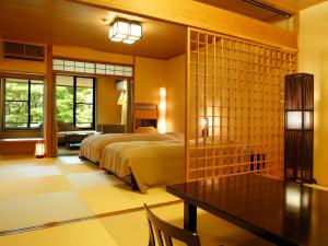 【ベッド付和室 藍】檜の内風呂+6畳+8畳+寛ぎ広縁■A