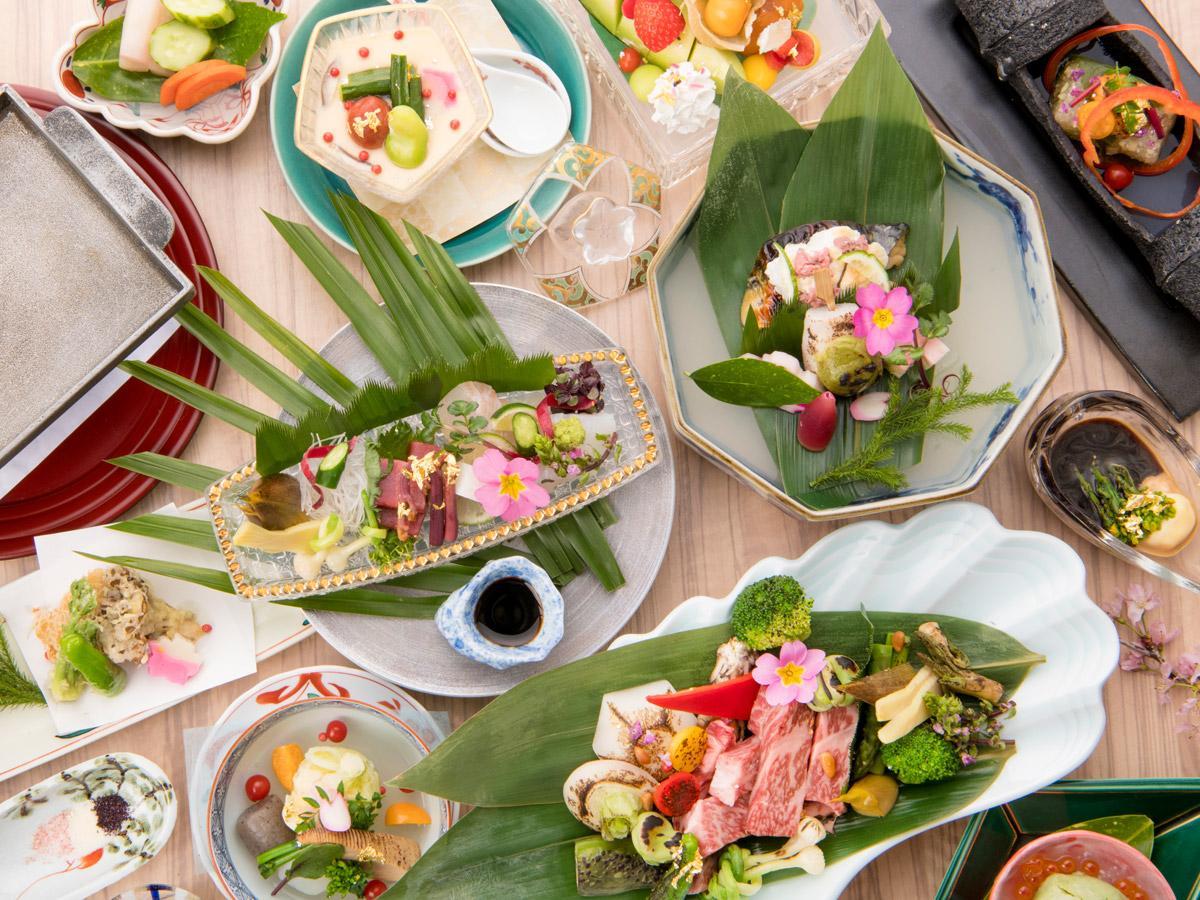 【いつもより贅沢に。上州牛ステーキは熱々で!当館満足度1位】四季の食材を彩り豊かなお料理でご堪能。