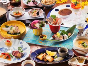 """【少量美食-半個室食-海浬-】<量より質を重視>料理長がこだわる""""美味しい部分を凝縮""""した会席。"""