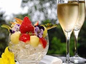 【記念日プラン】◆ワイン&選べるデザート特典付◆大切な時間を、特選料理と、露天風呂付き客室で祝おう♪