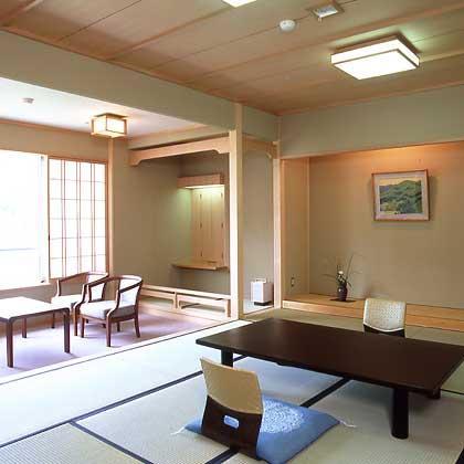 ◆スタンダードな南館・和室10畳   (V)
