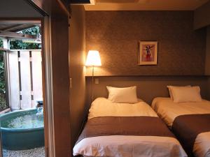 【305号室】洋ベット・陶器の温泉露天風呂