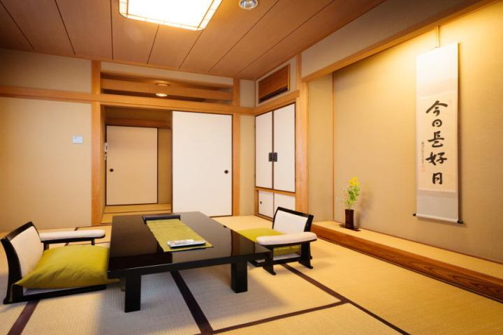 朝食付◆和室◆バス・トイレ付