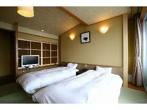 和室10畳+ツインベッドルーム 502号室、602号室