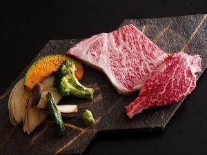 【国産黒毛和牛A4ランク以上確約!】肉好き必見!おすすめ部位食べ比べWロインステーキ御膳