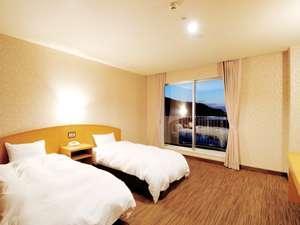 【山側】洋室ツインルーム(28.8平米)