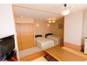 和洋室(和室4畳+洋室6畳・ツインベット/トイレあり)