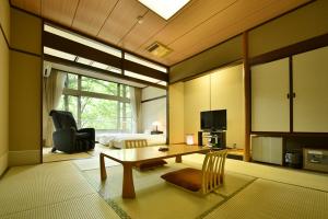 【1日限定2部屋】お風呂に近い部屋で草津の湯を満喫。ワンドリンク付き和室10畳プラン